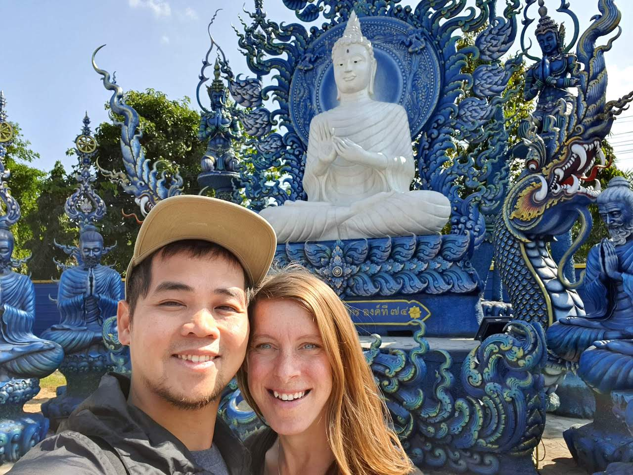 chiang rai blue temple 2