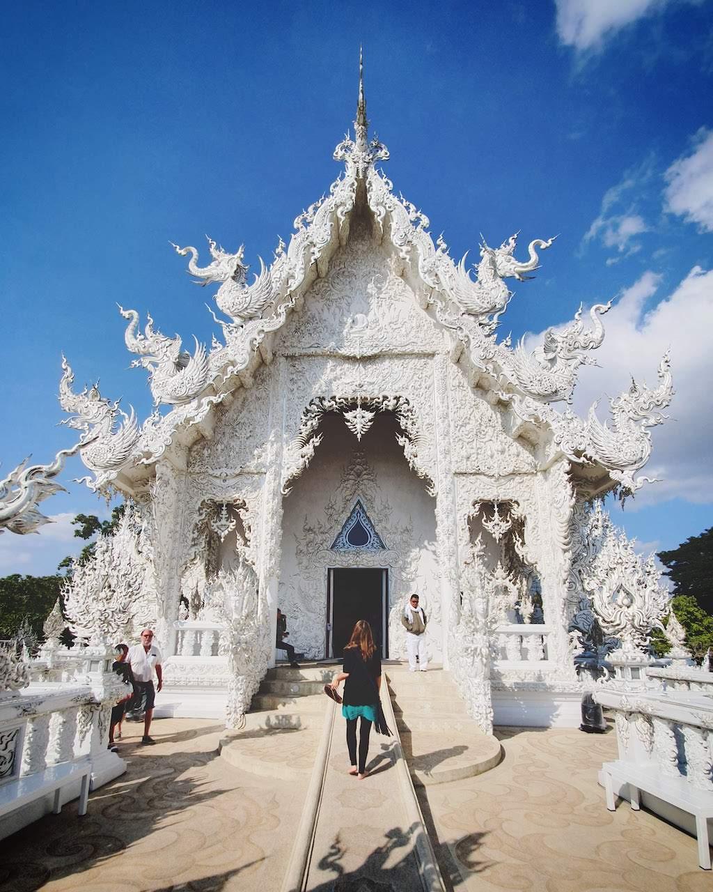 chiang rai white temple 3