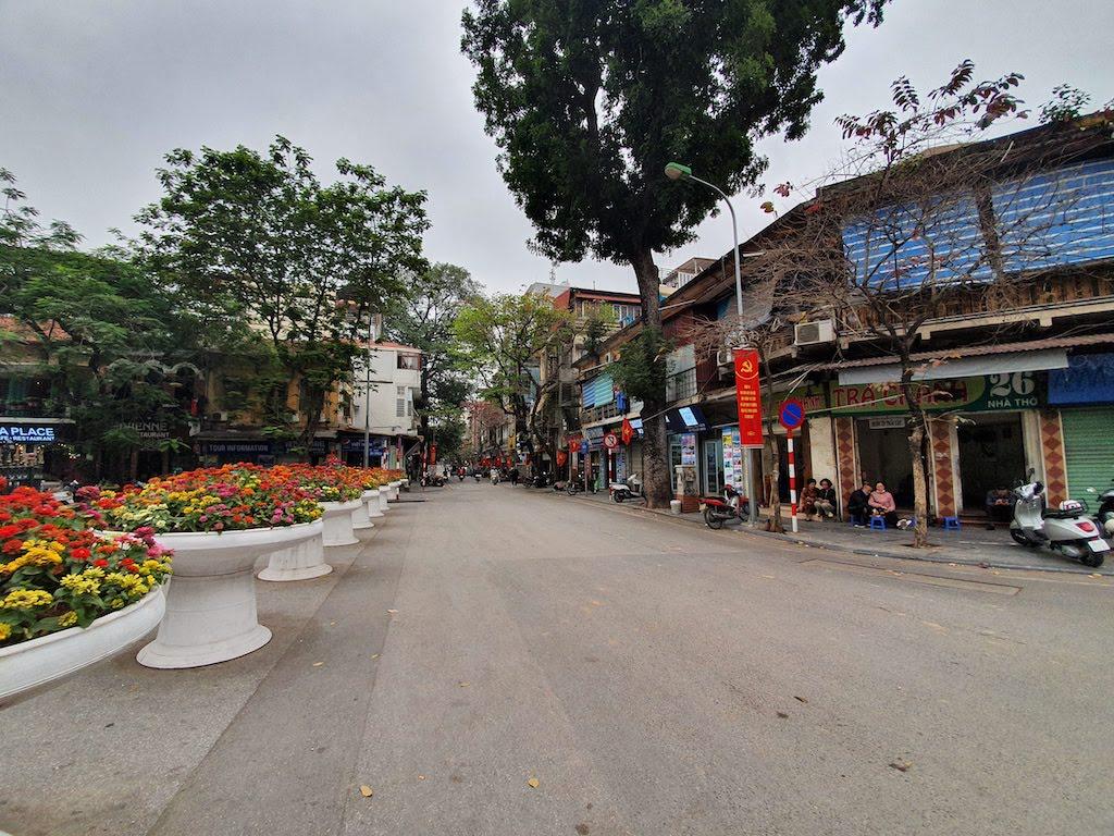 hanoi empty streets 2