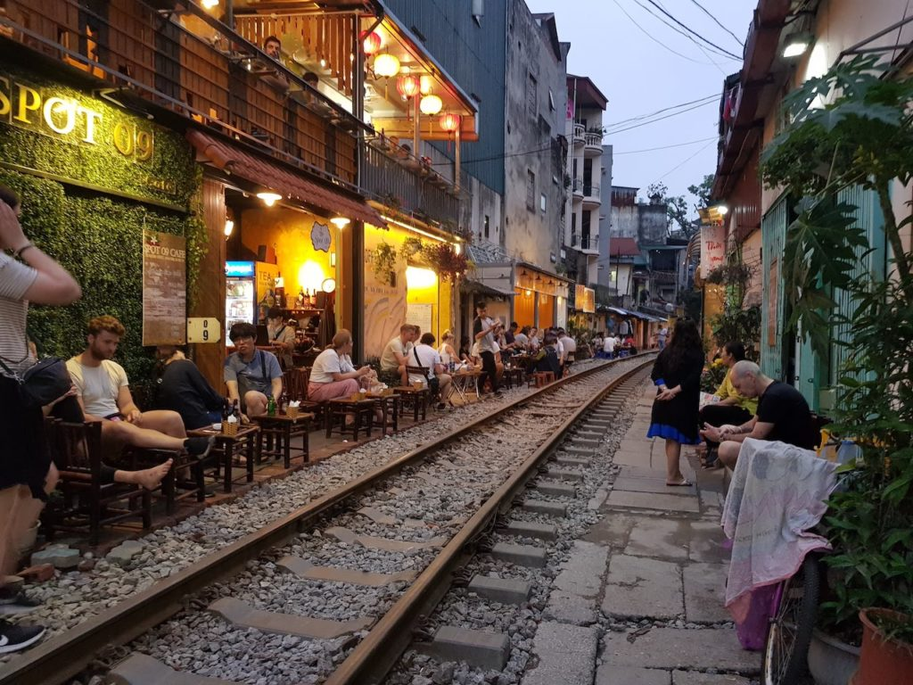 hanoi train track