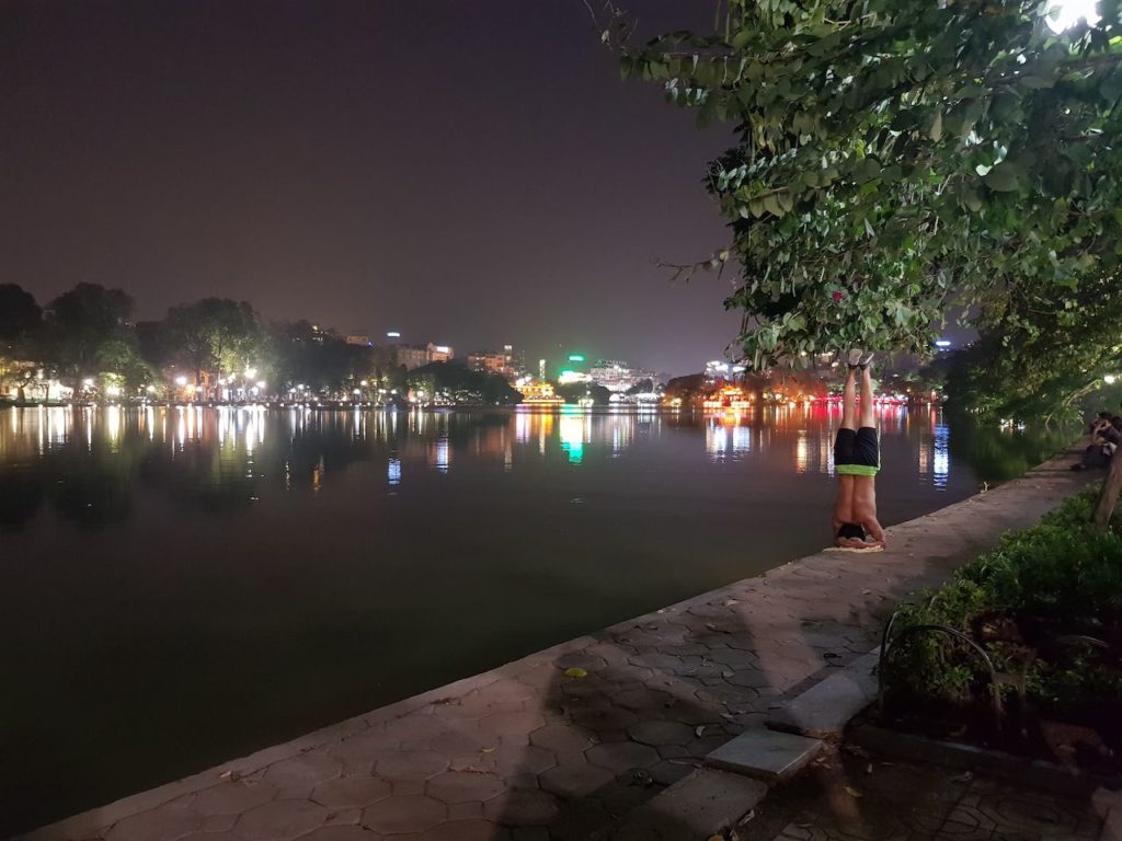 ho hian kiem at night