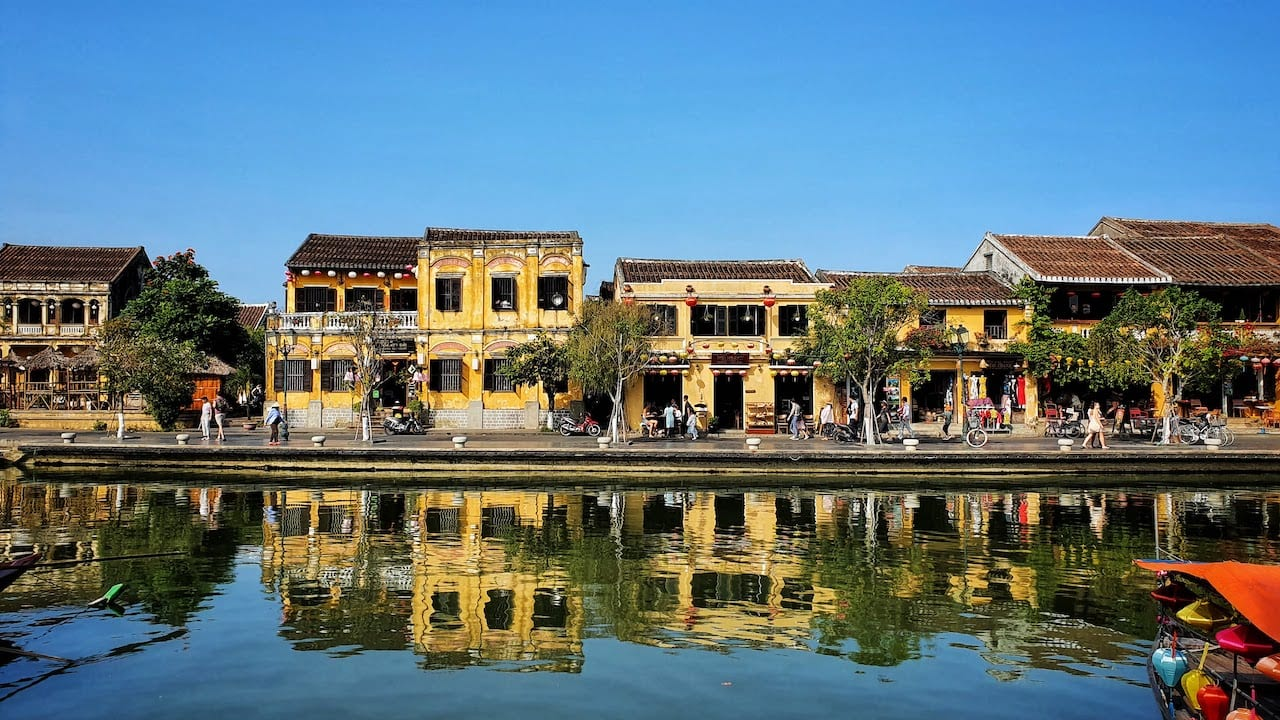 visiting hoi an houses