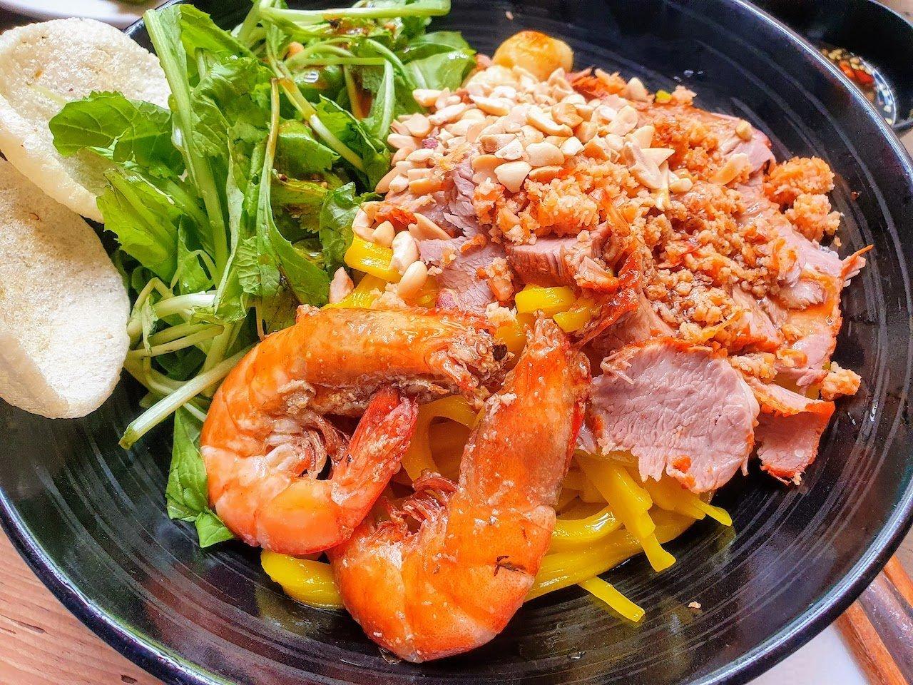 Da Lat Food Yellow Noodles My Quang