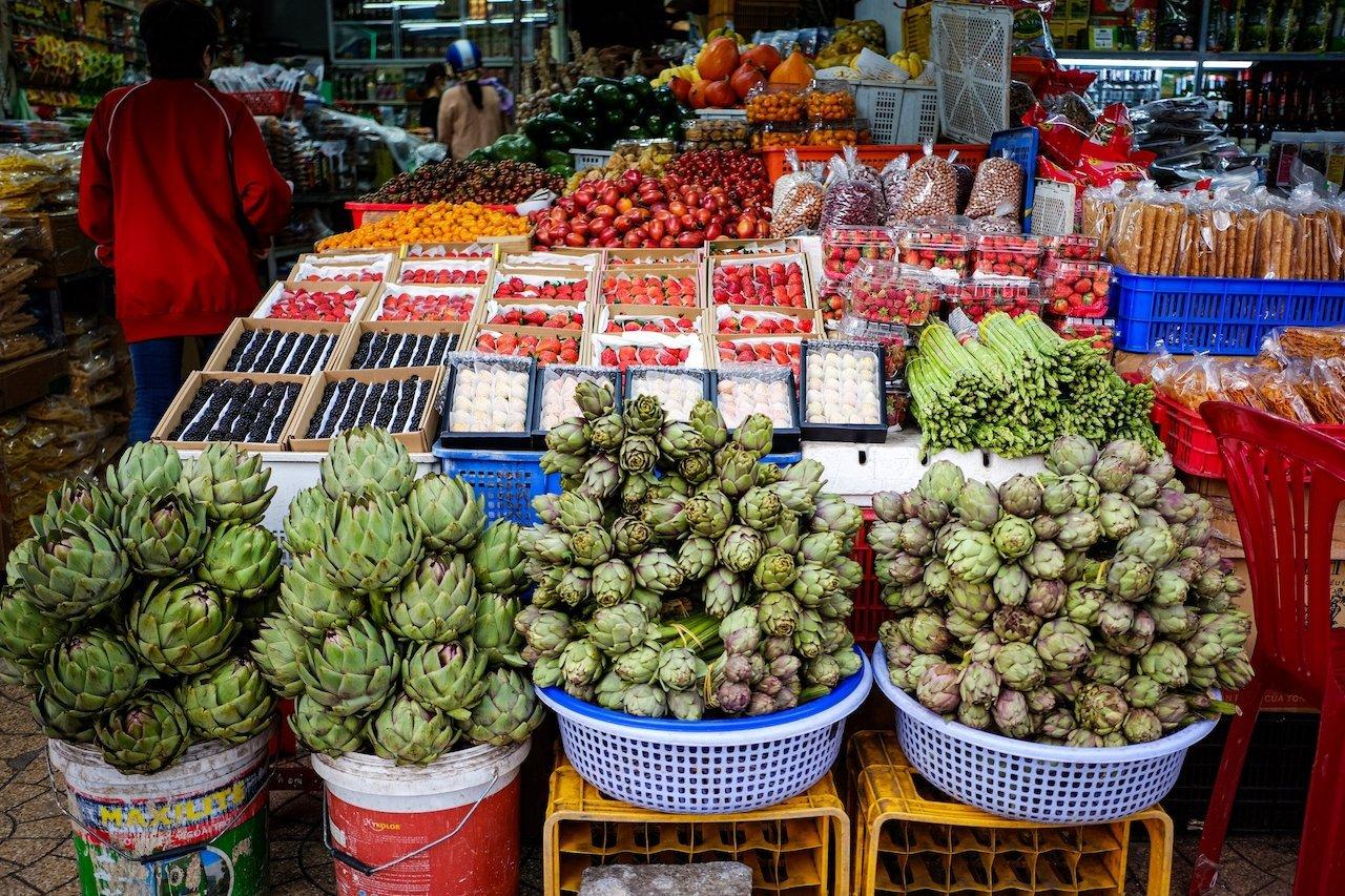 Da Lat market artichokes