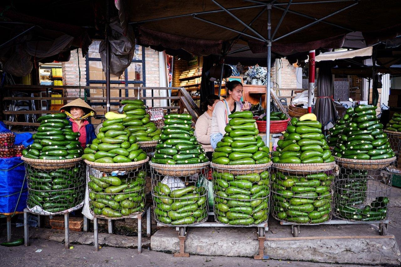 Da Lat market avocados