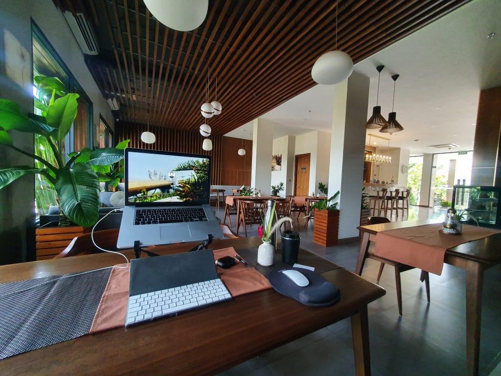Da Nang Moon Hotel Cafe working place