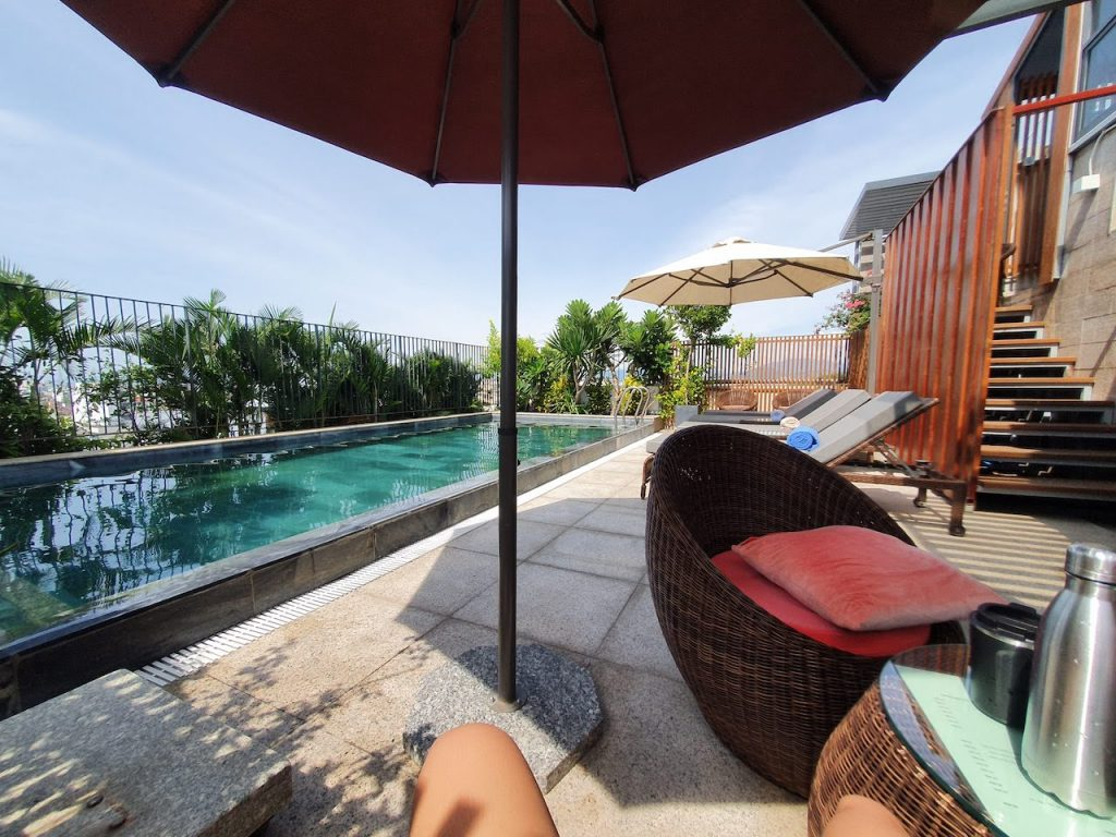 danang moon hotel rooftop pool