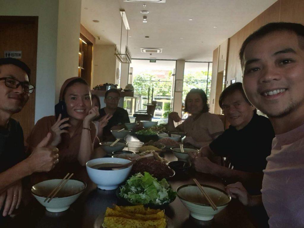 6 Farewell Lunch Moon Family Da Nang