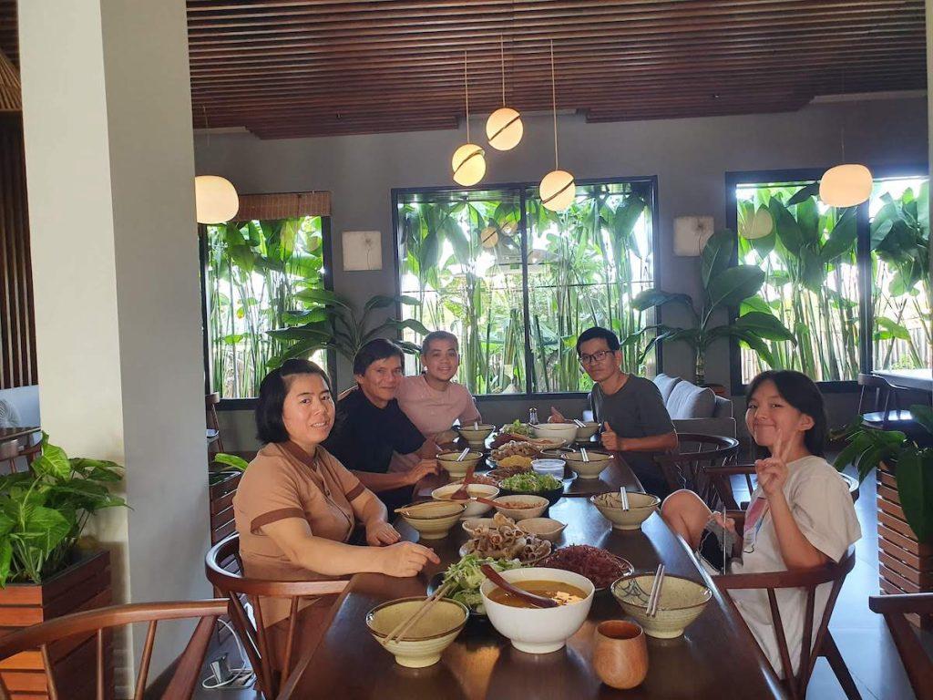 7 Farewell Lunch Moon Family Da Nang