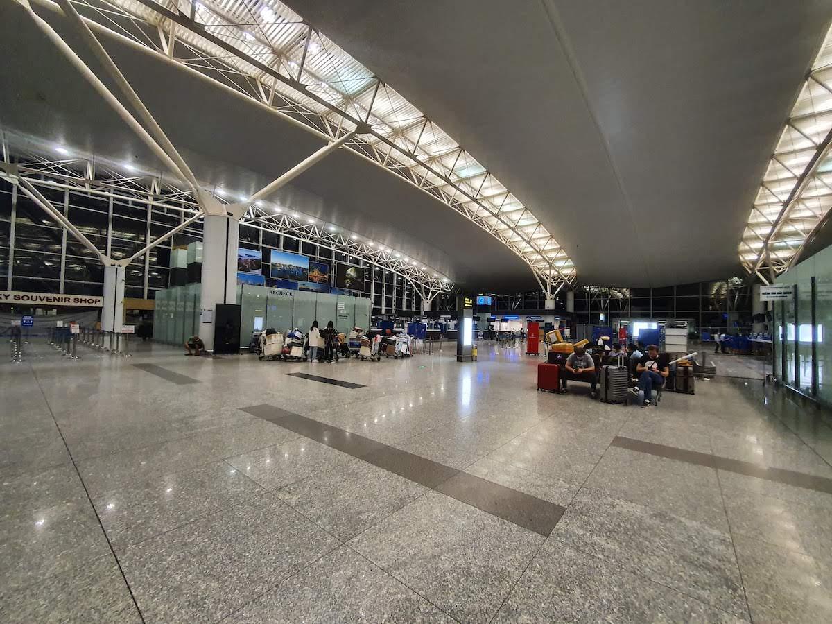 15 Leaving Vietnam Noi Bai Airport at night