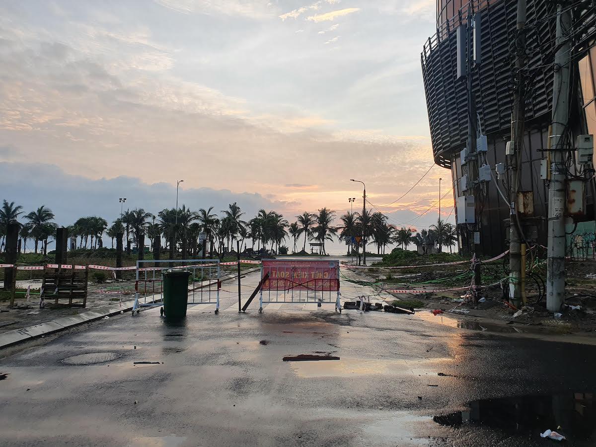 Lockdown Danang Beach Blockade